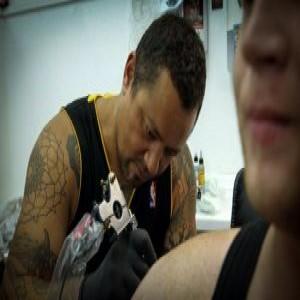 "<a href=""https://www.facebook.com/flaxrootstattoonz/"">Flax Roots Tattoo</a>"